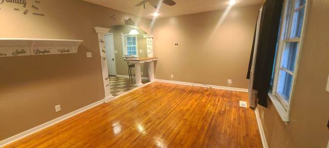 208 Scarlet Dr, Clarksville, TN 37040 (MLS #RTC2292279) :: John Jones Real Estate LLC