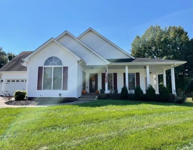 946 Willow Cir, Clarksville, TN 37043 (MLS #RTC2294890) :: Nelle Anderson & Associates