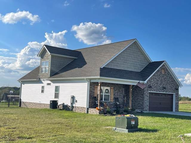 1817 Lexington Ave, Hopkinsville, KY 42240 (MLS #RTC2298504) :: Village Real Estate