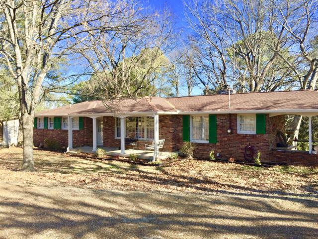 127 Country Club Dr, Hendersonville, TN 37075 (MLS #1888445) :: CityLiving Group