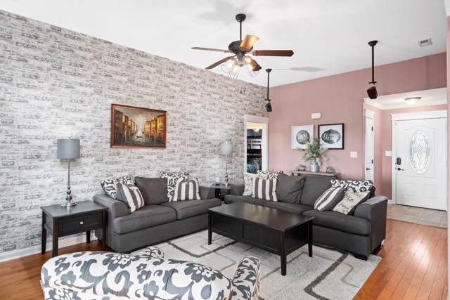 1719 Cabana Dr, Clarksville, TN 37042 (MLS #RTC2114832) :: Village Real Estate