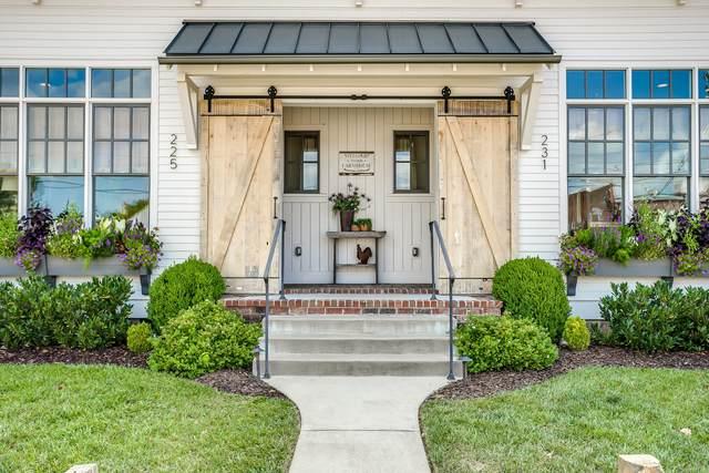 231 Cummins Street, Franklin, TN 37064 (MLS #RTC2168679) :: Village Real Estate