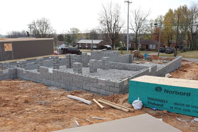8 Peterson Lane, Clarksville, TN 37040 (MLS #RTC2205617) :: Nashville on the Move
