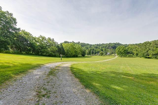 5472 Pinewood Rd, Franklin, TN 37064 (MLS #RTC2244749) :: Felts Partners