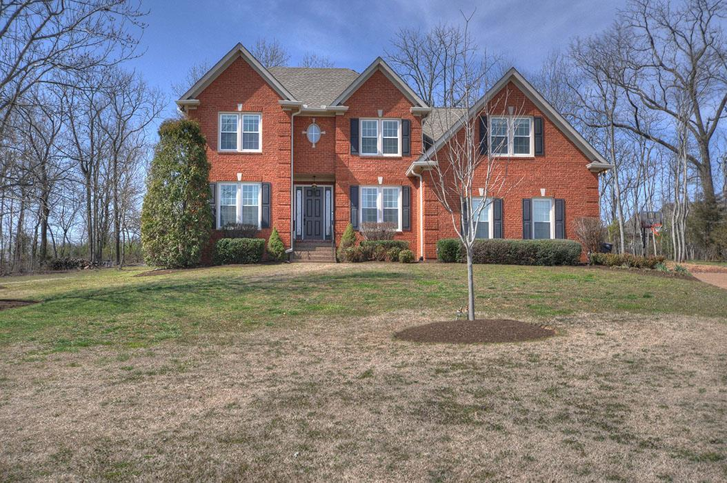 217 Barrington Ct W, Franklin, TN 37064 (MLS #1810676) :: NashvilleOnTheMove   Benchmark Realty