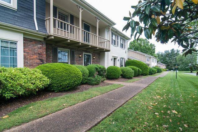 1011 Murfreesboro Rd Unit A3 A3, Franklin, TN 37064 (MLS #1839784) :: FYKES Realty Group