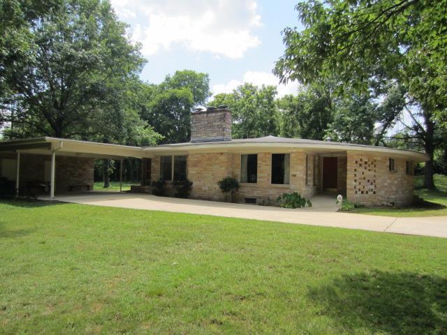 111 Brookmeade Cir, Fayetteville, TN 37334 (MLS #1846685) :: NashvilleOnTheMove | Benchmark Realty
