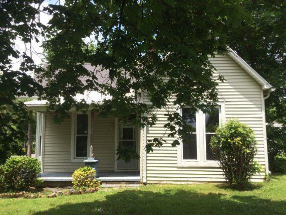 1101 Church St, Greenbrier, TN 37073 (MLS #1853772) :: NashvilleOnTheMove | Benchmark Realty