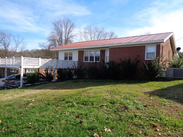 122 Mariva St, Waynesboro, TN 38485 (MLS #1882915) :: Berkshire Hathaway HomeServices Woodmont Realty