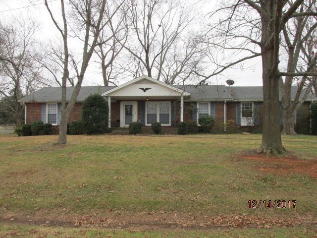 2140 Harvill Dr, Clarksville, TN 37043 (MLS #1888334) :: Rae Gleason