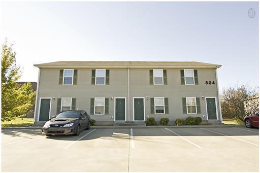 804 Golfview Pl, Clarksville, TN 37043 (MLS #1891210) :: CityLiving Group
