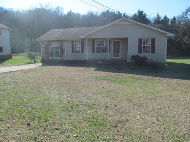 1415 Meadowbrook Dr, Pulaski, TN 38478 (MLS #1894250) :: DeSelms Real Estate