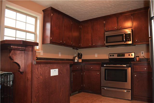 1164 Freedom Dr, Clarksville, TN 37042 (MLS #1899097) :: DeSelms Real Estate