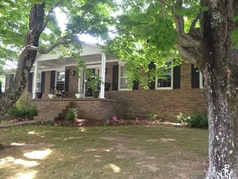 1607 Rocky Mound Rd, Westmoreland, TN 37186 (MLS #1904055) :: DeSelms Real Estate