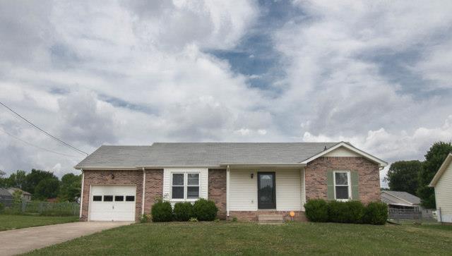 305 Broadmore Dr, Clarksville, TN 37042 (MLS #1911079) :: CityLiving Group
