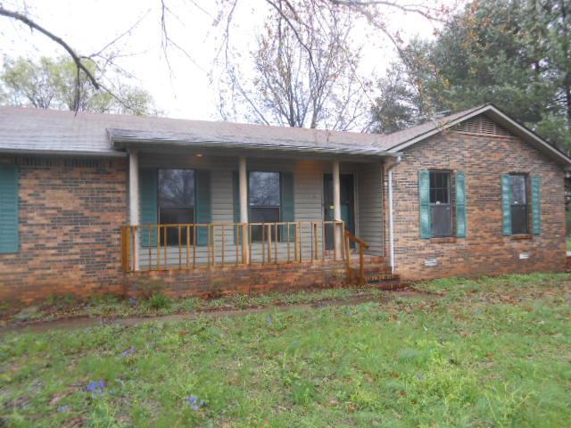 106 Oak Tree Dr, Oak Grove, KY 42262 (MLS #1915356) :: CityLiving Group