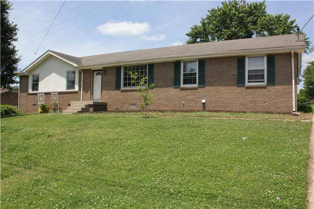 135 Scotch St, Hendersonville, TN 37075 (MLS #1929085) :: Ashley Claire Real Estate - Benchmark Realty