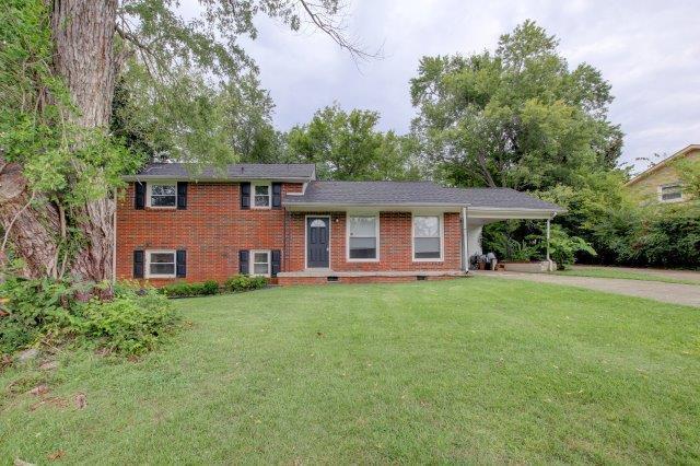 407 Burch Rd, Clarksville, TN 37042 (MLS #1930286) :: DeSelms Real Estate