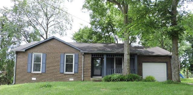 124 Cunningham Pl, Clarksville, TN 37042 (MLS #1936237) :: Nashville On The Move
