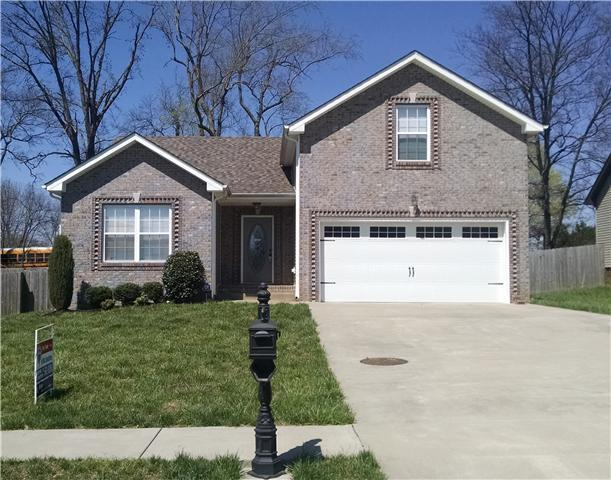 1853 Jackie Lorraine Dr, Clarksville, TN 37042 (MLS #1943013) :: Ashley Claire Real Estate - Benchmark Realty