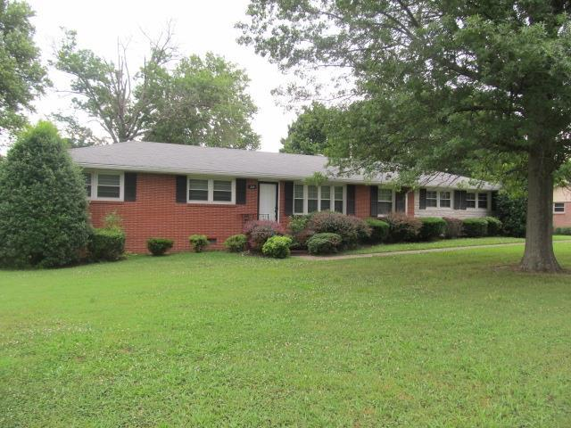 305 Dow Dr, Shelbyville, TN 37160 (MLS #1943426) :: Maples Realty and Auction Co.