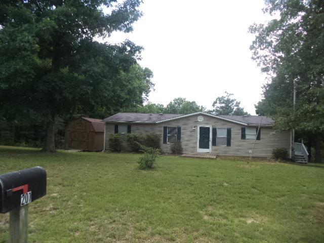 201 Day Ln, Tennessee Ridge, TN 37178 (MLS #1944306) :: EXIT Realty Bob Lamb & Associates