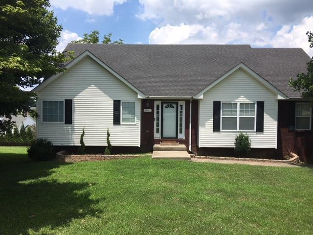 2015 Old Russellville Pike, Clarksville, TN 37043 (MLS #1946232) :: EXIT Realty Bob Lamb & Associates