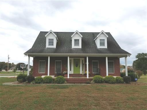 1605 Carter, Decherd, TN 37324 (MLS #1951136) :: Ashley Claire Real Estate - Benchmark Realty