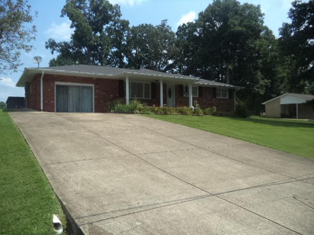 605 Lakeview Cir, Tennessee Ridge, TN 37178 (MLS #1953408) :: John Jones Real Estate LLC