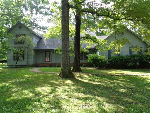 591 Cook Rd, Tullahoma, TN 37388 (MLS #1956373) :: FYKES Realty Group