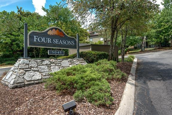 438 Summit Ridge Place #438, Nashville, TN 37215 (MLS #1958575) :: The Kelton Group