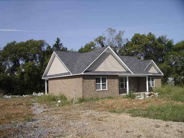 110 Autumn Ridge Ln, Lafayette, TN 37083 (MLS #1961009) :: REMAX Elite