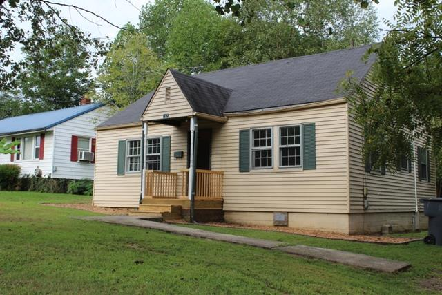 211 W End Ave, McMinnville, TN 37111 (MLS #1965895) :: Valerie Hunter-Kelly & the Air Assault Team