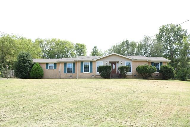 102 Edgewood Dr, Hendersonville, TN 37075 (MLS #1971159) :: Armstrong Real Estate