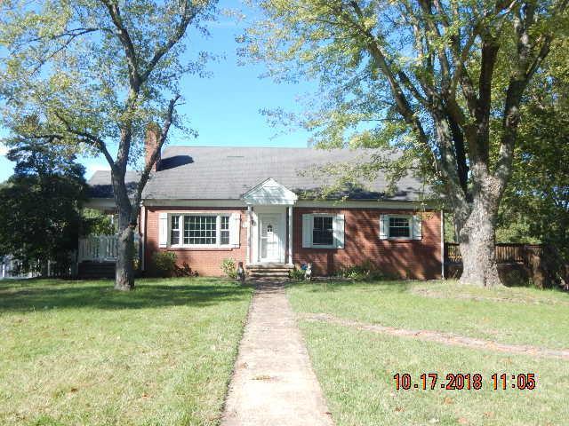 940 Oakdale Dr, Clarksville, TN 37040 (MLS #1981061) :: REMAX Elite