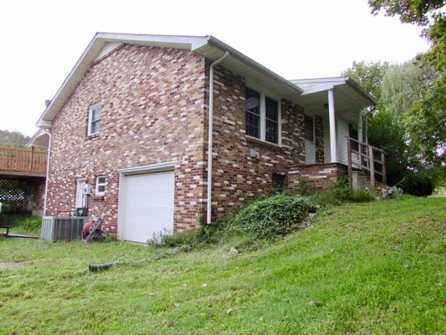 1380 Old Dover Ct, Clarksville, TN 37042 (MLS #1981936) :: Christian Black Team