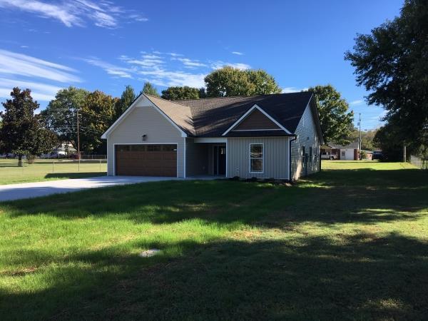 10 Bond St, Clarksville, TN 37040 (MLS #1987316) :: John Jones Real Estate LLC