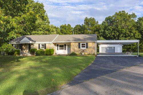4019 Manning Hollow Rd, Pegram, TN 37143 (MLS #1989179) :: CityLiving Group