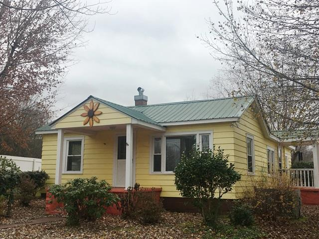 305 W End Ave, McMinnville, TN 37110 (MLS #1991616) :: John Jones Real Estate LLC