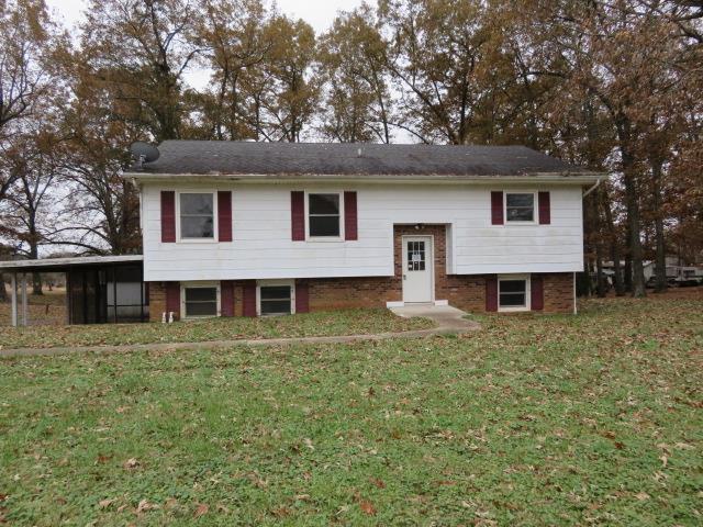 1176 Lafayette Rd, Clarksville, TN 37042 (MLS #1995671) :: Oak Street Group