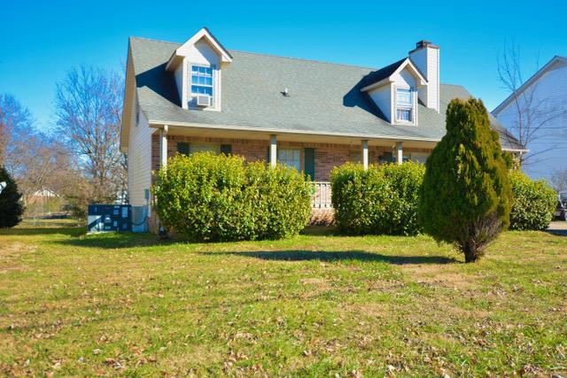 979 Peachers Mill Rd, Clarksville, TN 37042 (MLS #1997688) :: Nashville on the Move