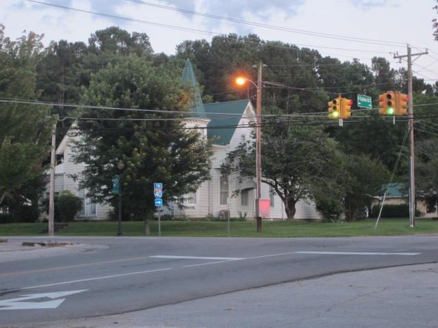 402 W Main St, Waverly, TN 37185 (MLS #2002529) :: HALO Realty