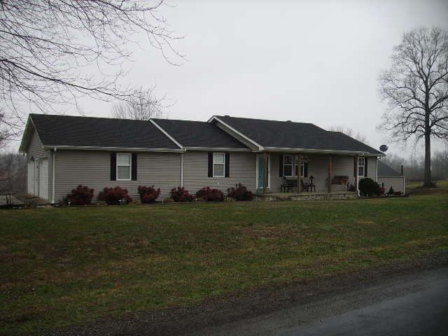 238 Underwood Rd, Lafayette, TN 37083 (MLS #2002951) :: REMAX Elite