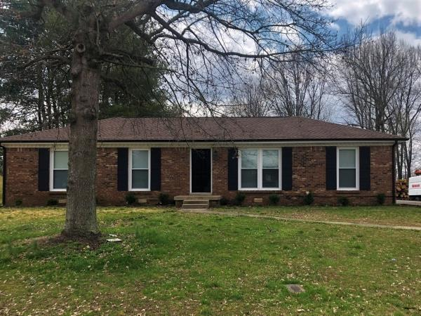 330 Harold Dr, Clarksville, TN 37040 (MLS #2025002) :: DeSelms Real Estate