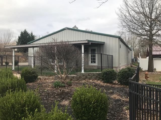 400 Warfield Blvd Ct, Clarksville, TN 37043 (MLS #2027367) :: Fridrich & Clark Realty, LLC