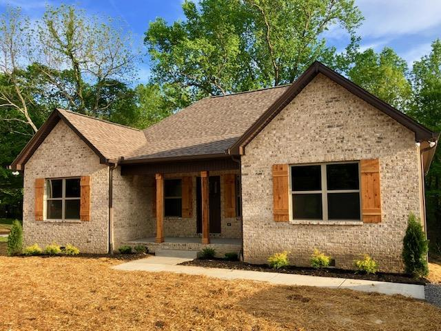 2229 Old Greenbrier Pike, Greenbrier, TN 37073 (MLS #2033732) :: CityLiving Group