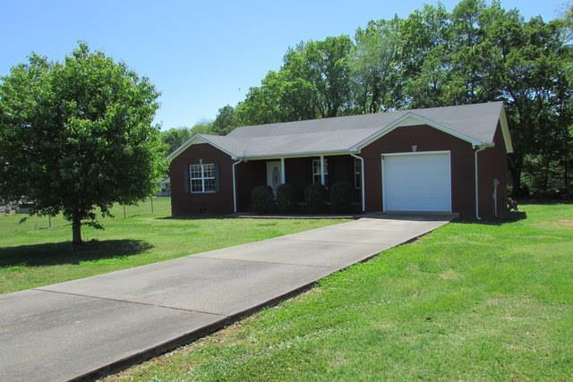 37 Village Park Drive, Fayetteville, TN 37334 (MLS #RTC2036481) :: Nashville on the Move