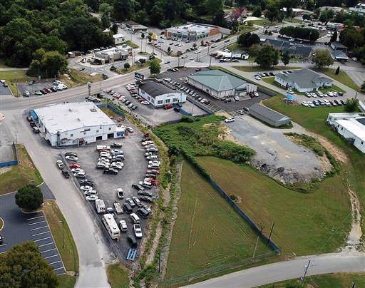 202 S Main St, Ashland City, TN 37015 (MLS #RTC2009772) :: Berkshire Hathaway HomeServices Woodmont Realty