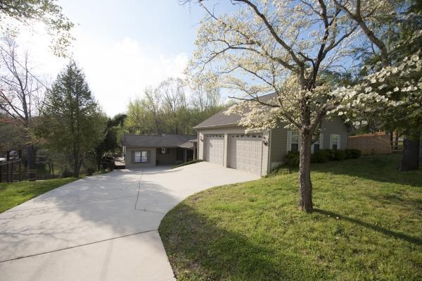 110 Holly Tree Dr, Estill Springs, TN 37330 (MLS #RTC2031660) :: REMAX Elite
