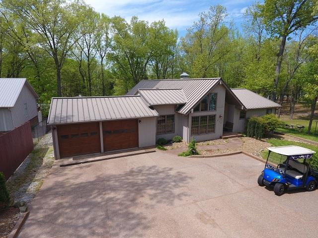 862 Blue Springs Boulevard, Cadiz, KY 42211 (MLS #RTC2037751) :: DeSelms Real Estate